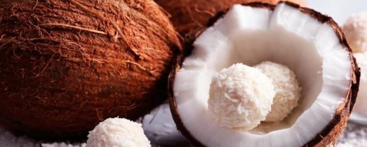 Кокос при ГВ, молоко и масло из него: можно ли употреблять, нормы и противопоказания