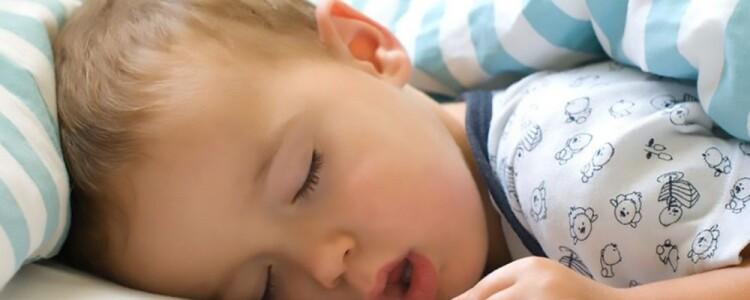 Ребенок много спит когда болеет: нормы сна, причины, что делать?