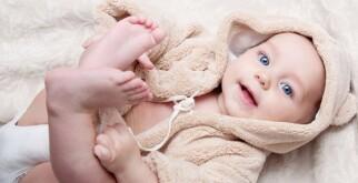 Стул у ребенка на грудном вскармливании: сколько раз должен быть, патологии