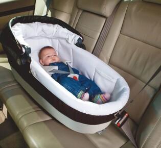 Автолюлька для новорожденных: люлька в машину с лежачим положением для ребёнка, модель «0+», как правильно положить грудничка и как выбрать детское кресло