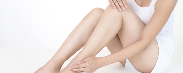 Болят ноги после родов: что делать и как лечить?