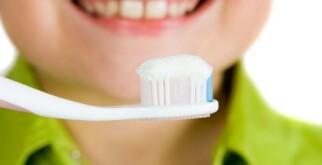 Рейтинг безопасных, лучших детских зубных паст
