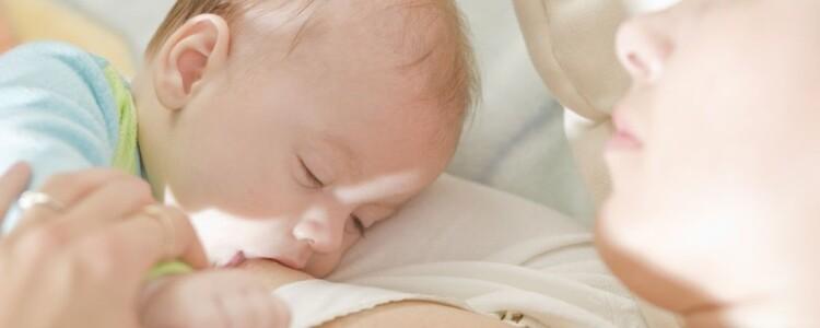 До какого возраста кормить ребенка грудным молоком