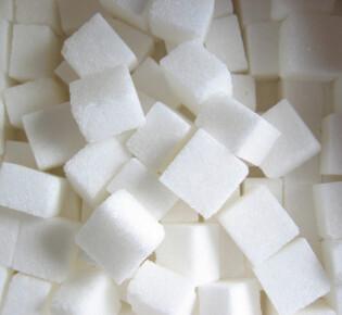 Сахар при грудном вскармливании: сколько можно и чем заменить?