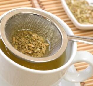 Чай для лактации: какой лучше пить кормящим мамам?