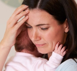 Послеродовой психоз — причины, симптомы, лечение