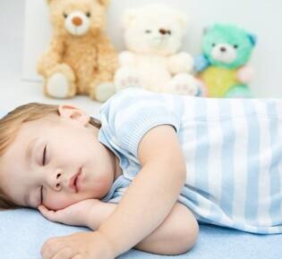 Ребенок разговаривает во сне: какая причина в вашем случае?
