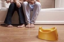 Как приучить ребенка ночью вставать на горшок - советы родителям