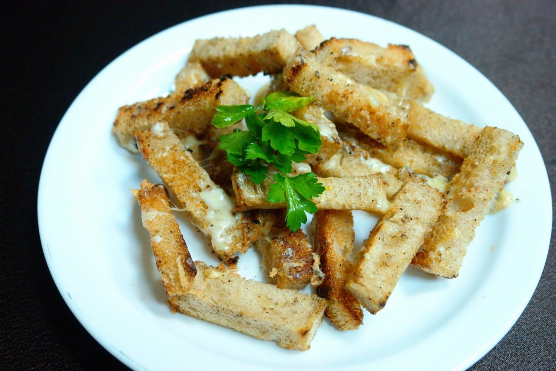 Сухари с добавлением сыра