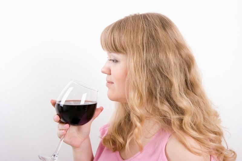 Через сколько выветривается алкоголь из грудного молока